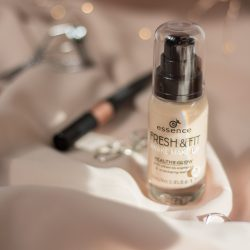 The essence fresh and fit awake make-up foundation reviewed