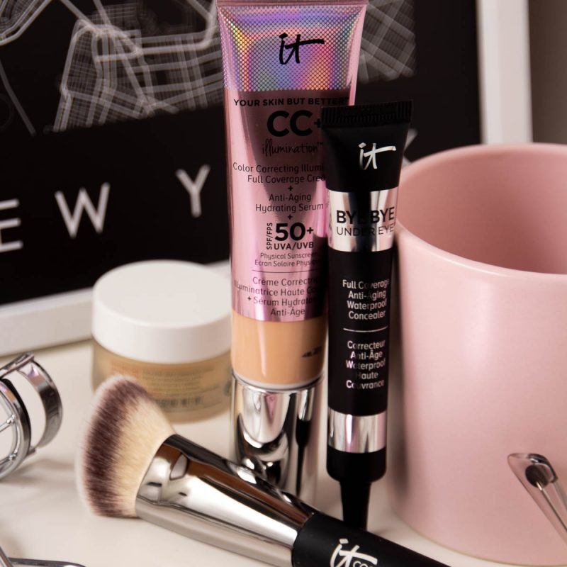 IT Cosmetics Introduction Your Skin but Better CC+ Illumination Heavenly Luxe Angled Radiance Brush Bye Bye Under Eye Concealer